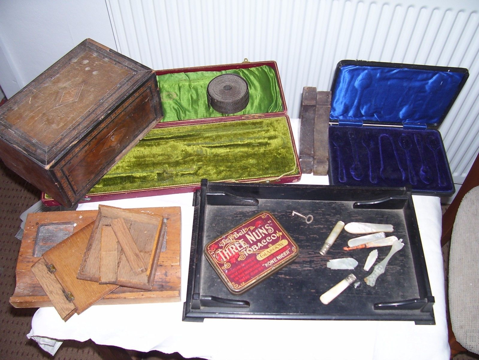 ANTIQUE JOB LOT OF COLLECTABLES