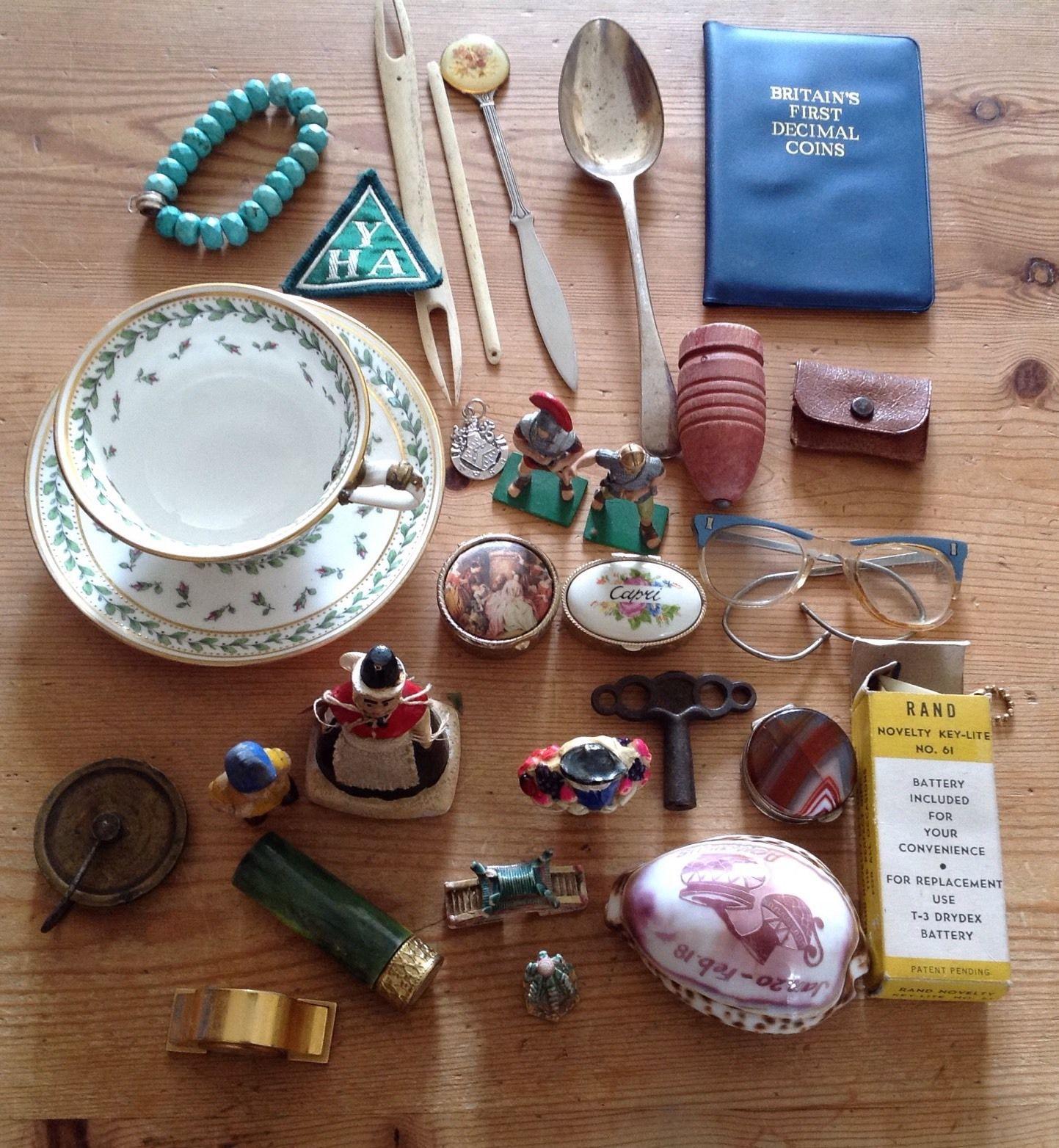 JOB LOT ANTIQUE/VINTAGE COLLECTABLES & CURIOS – S/Plate/porcelain/shell Now £23!